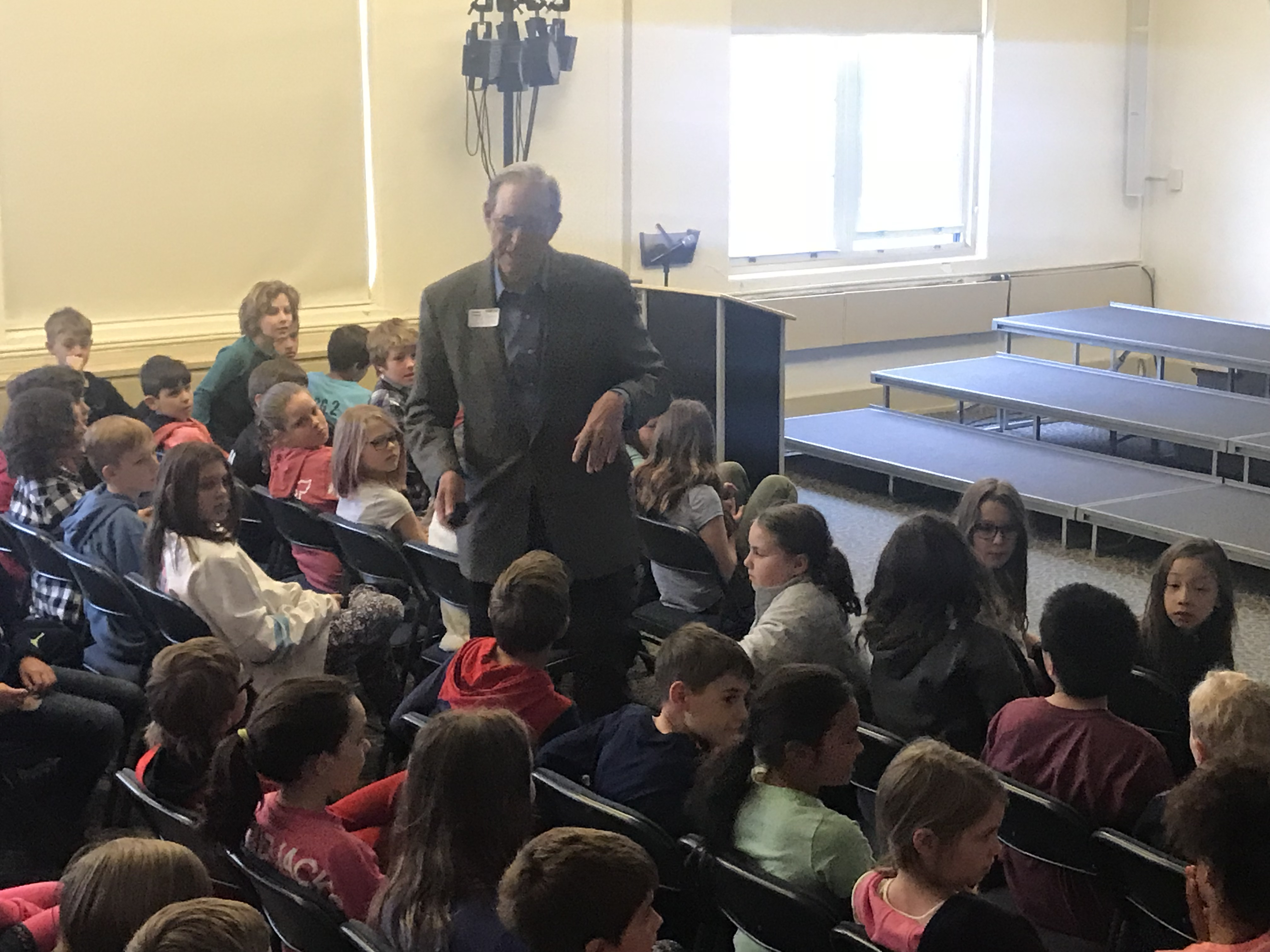 Gov. Taft speaks to fourth graders at Harman School